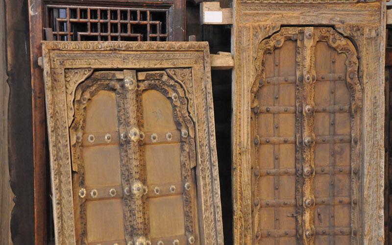 Alte Türen, Tore und Fenster aus China und Indien